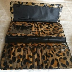 KENNETH COLE REACTION ANIMAL PRINT LARGE WALLET